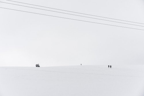 snow covered hill with tiny cross country skiers free stock photos picjumbo DSC06603